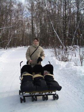 Коляска-трость для тройни и паравозик PegPerego